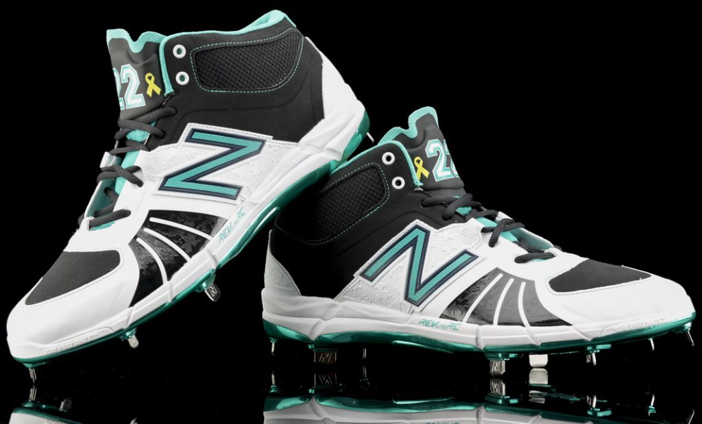 robinson-cano-new-balance-3000v2-cleats-2