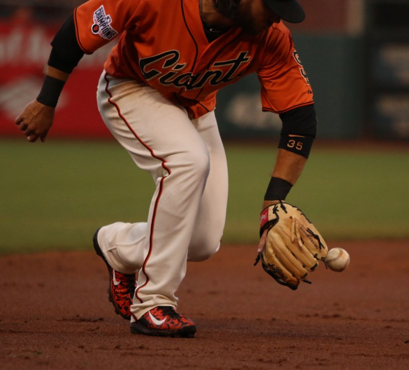 brandon-crawford-fielding