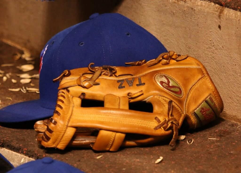 Troy Tulowitzki Glove 3