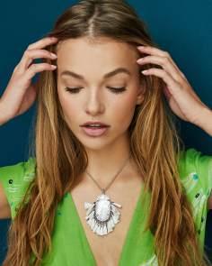 kendra-scott-betsy-long-pendant-necklace_02_default_lg