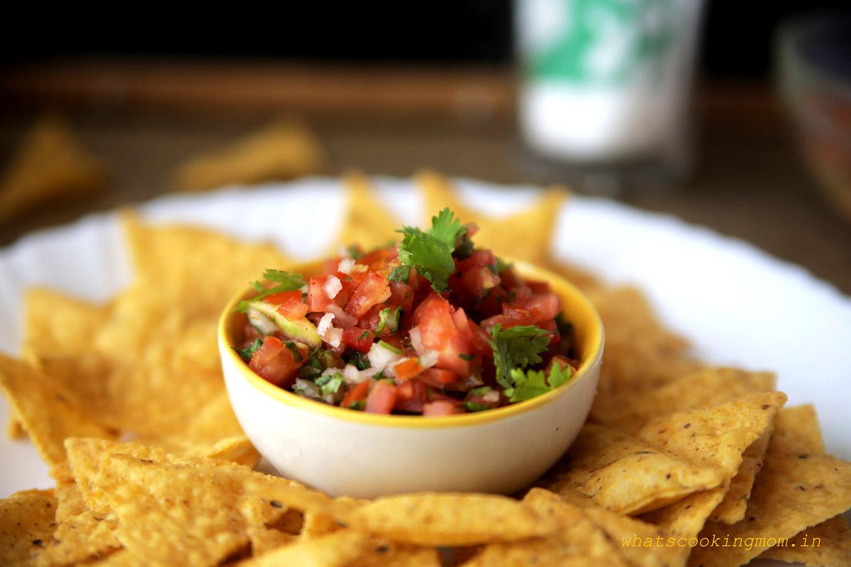 Tomato Salsa with Nachos