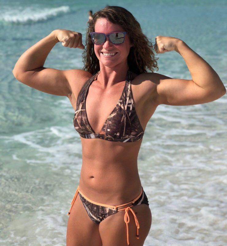 Sara Veal flexing