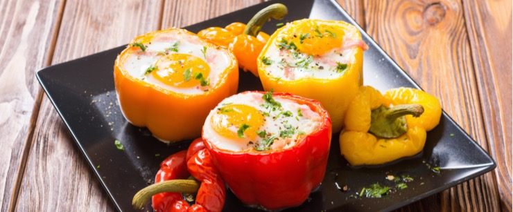 best foods for cold season: eggs in bell peppers