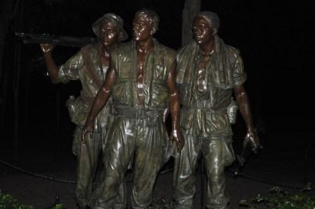Statue at the Vietnam memorial