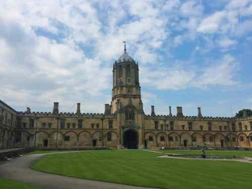 8 DO'S AND DON'TS WHEN CHOOSING AN OXFORD COLLEGE