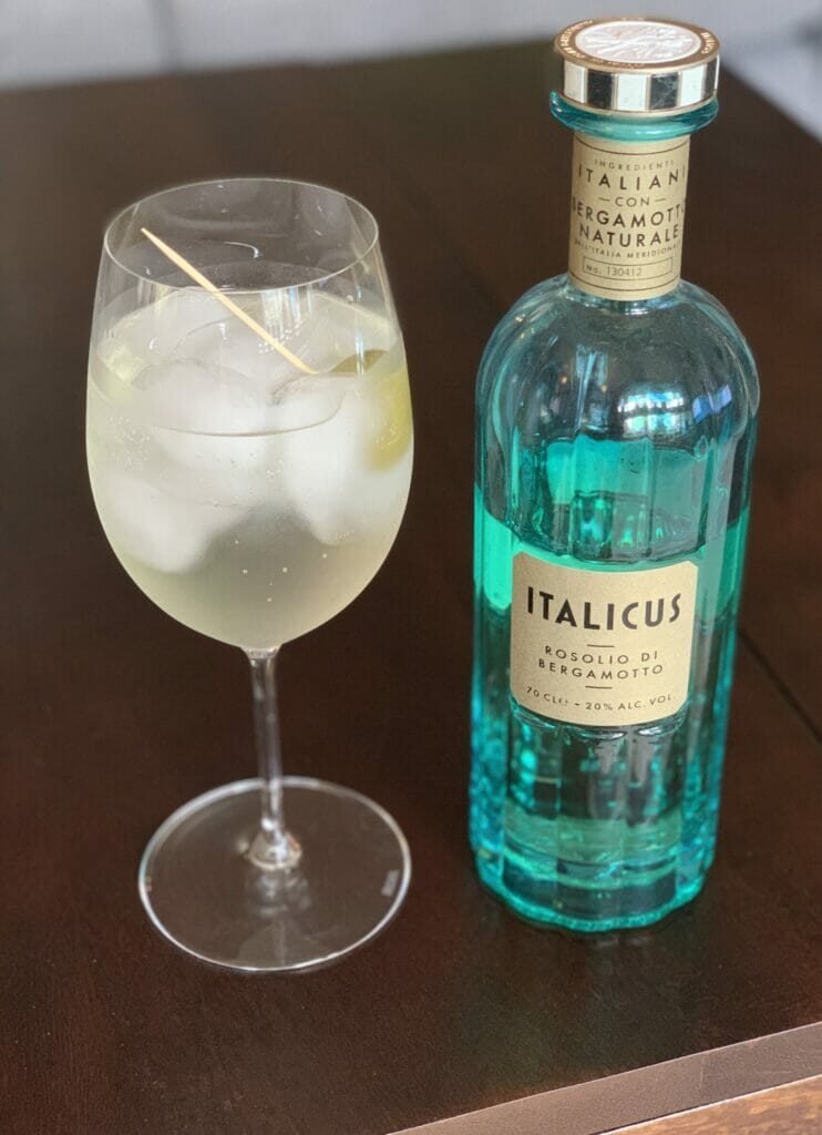 Italicus and green olive spritz