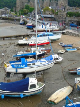 Fishing boats waiting for the tide