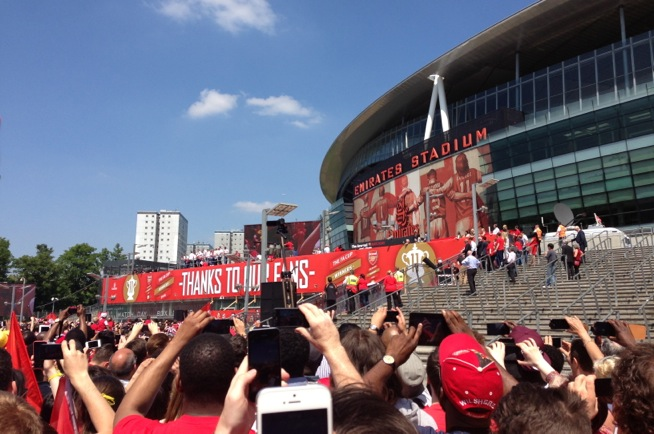 arsenal kit launch where to buy football kits in dubai what 39 s on. Black Bedroom Furniture Sets. Home Design Ideas