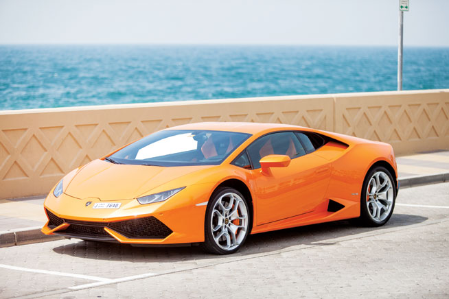 Lamborghini Gallardo - cool car rentals in Dubai