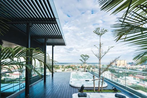 lumiere-hotel-rooftop-jacuzzi-2.jpg