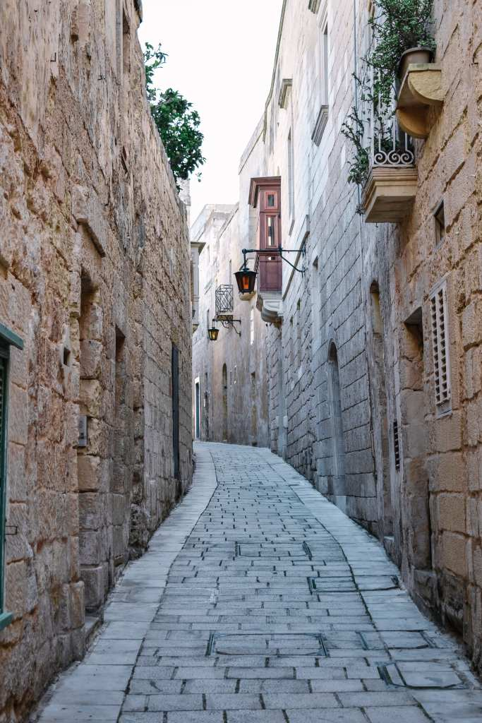 A Beginners Guide To Slow Travel - A Beautiful Alley In The Silent City of Mdina, Malta