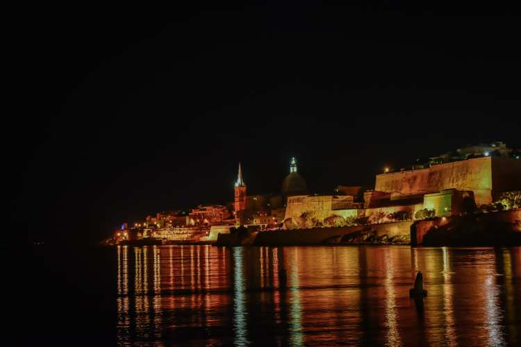 The Top Three Places In Malta That You Need To Visit. Views of Valletta At Night.