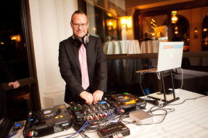how much wedding dj cost deejay
