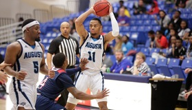 AU Picks up 5th Win in a Row Against Francis Marion