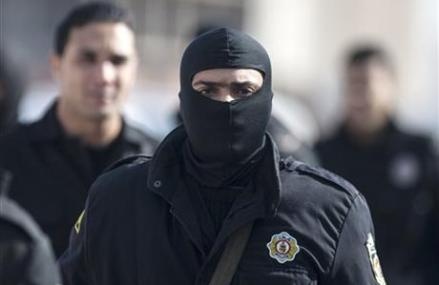 8 DEAD IN TUNISIA SHOOTOUT WITH ISLAMISTS
