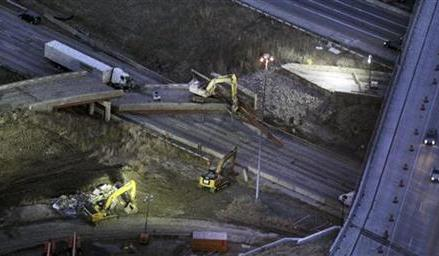 Construction collapse kills 1, forces days-long I-75 closure