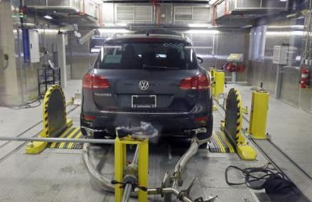 Judge approves Volkswagen emissions settlement