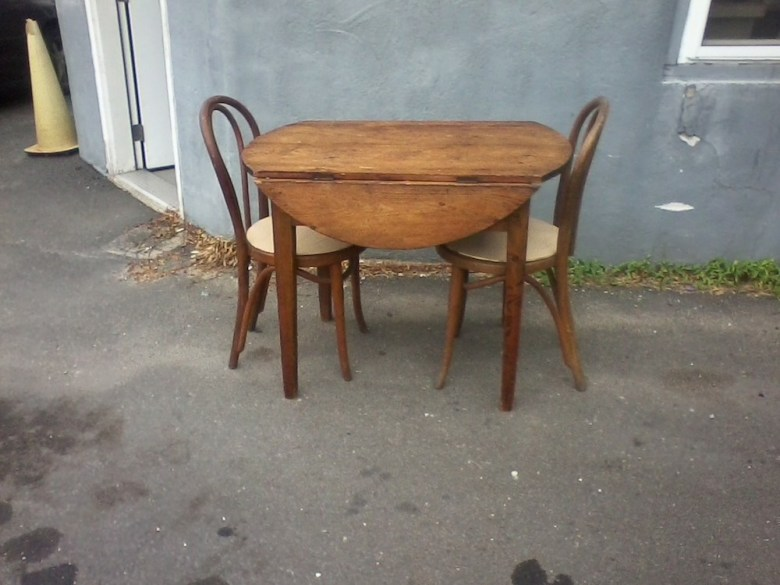 whats-up-newport-stephen-maher-antiques-1