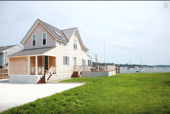 newport airbnb