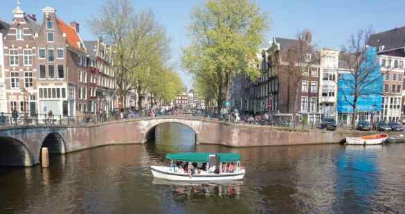 Renting a private boat Amsterdam