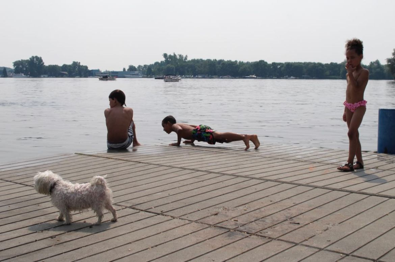 kids swimming nieuwe meer