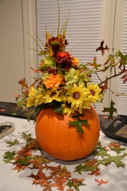 Whats Ur Home Story: Fall centerpiece