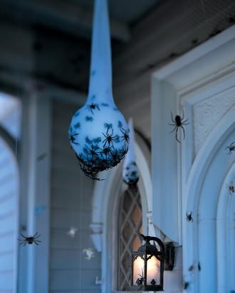 diy spider egg sac, inexpensive halloween decor