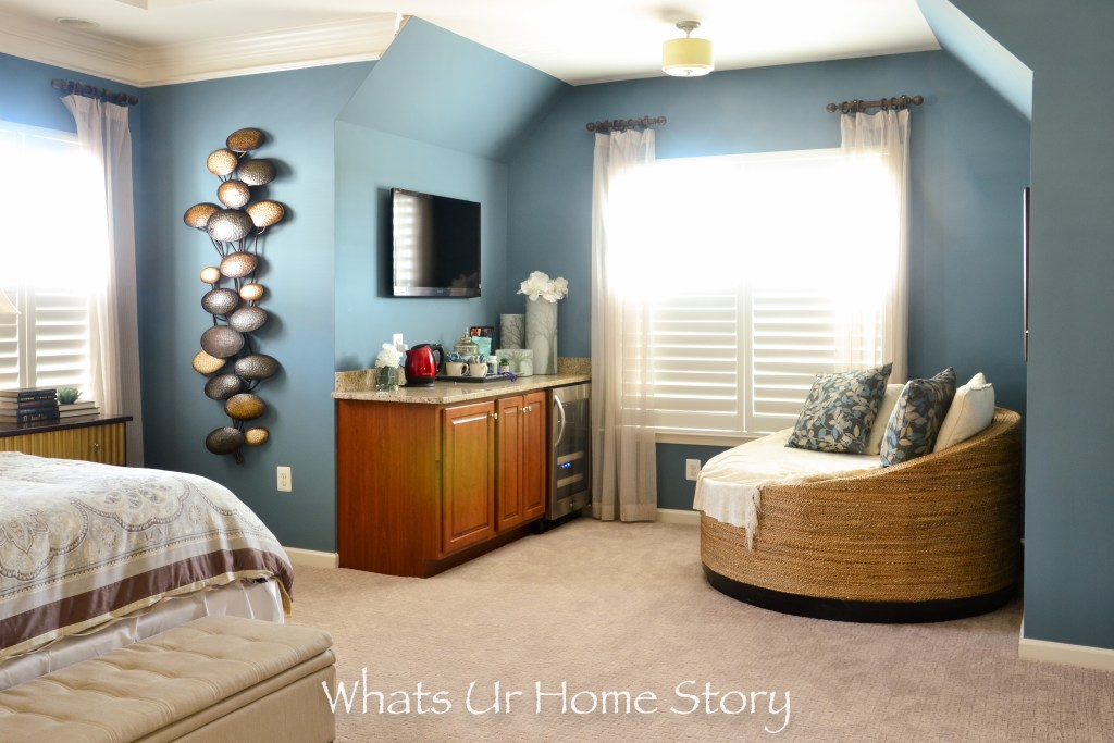 eclectic home-neutral bedroom with light blue wall color