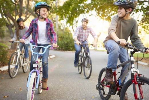 Top 10 tips for family cycling
