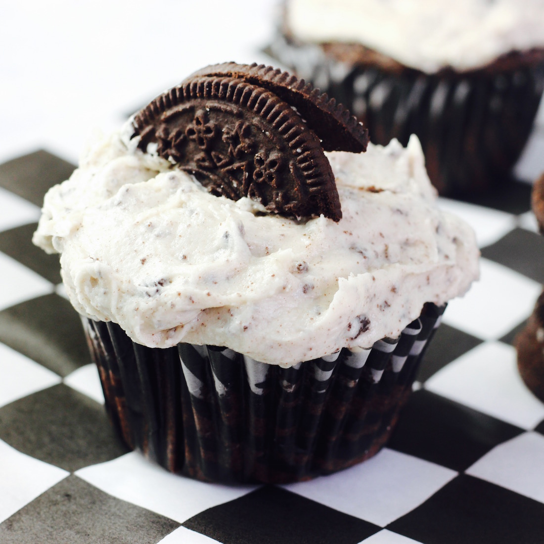 Cookies and Cream Cupcakes!!