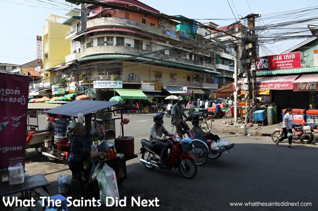 Exploring more of the streets around the Riverside and Royal Palace area. Walking the streets of Phnom Penh.