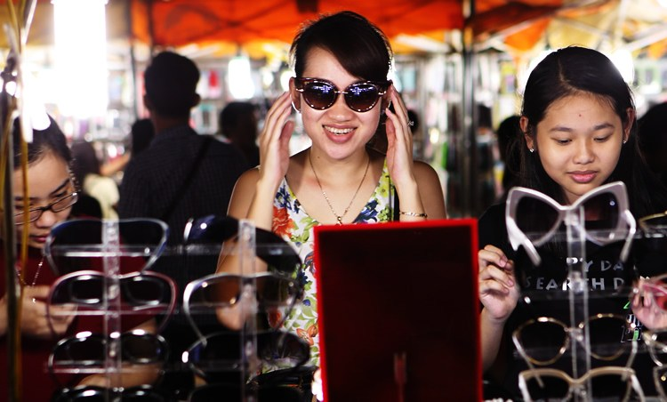 Finding Love, Food and Fashion At The Hanoi Night Market