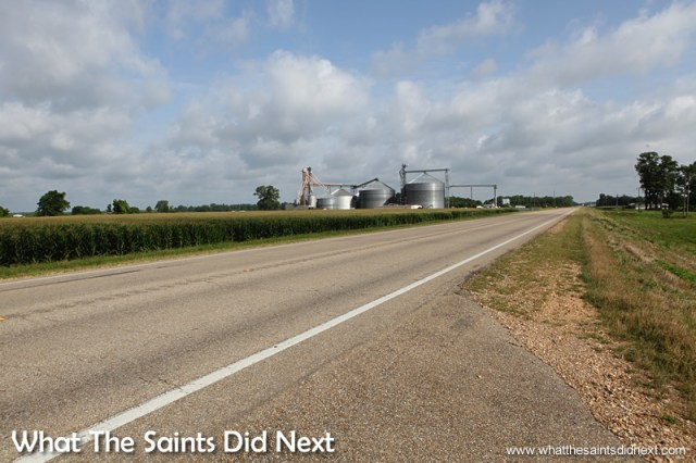 After stopping to take this picture of the corn fields and Corn Silo or grain escalator we decided to pay them a visit.