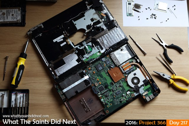 '55 today' 4 August 2016, 11:10 - 1/80, f/4.5, ISO-400 What The Saints Did Next - 2016 Project 366 Laptop repairs underway.