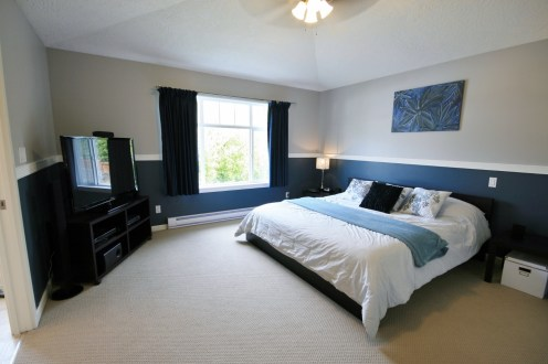 The master bedroom of 2407 Poplar - Click to learn more.