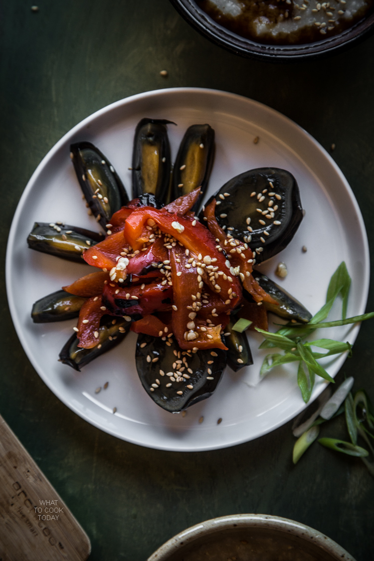 Brown rice congee with century eggs