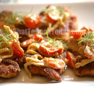 CHICKEN MILANESE WITH TOMATO AND FENNEL SAUCE