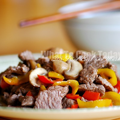 STIR-FRIED BEEF AND MUSHROOMS