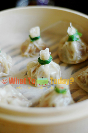 HIMALAYAN STEAMED DUMPLINGS / MOMOS