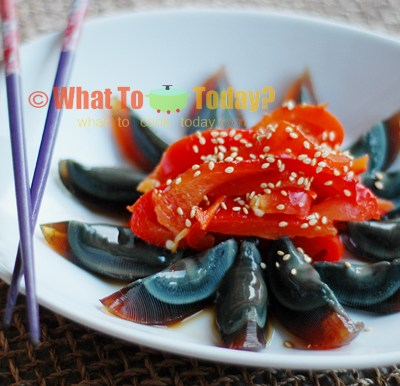 ROASTED PEPPERS WITH PRESERVED DUCK EGGS/ 烤 辣椒皮蛋
