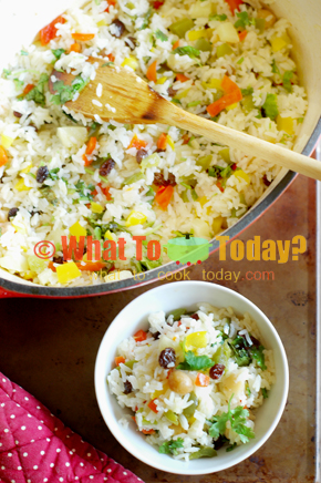 MACADAMIA AND PINEAPPLE RICE PILAF