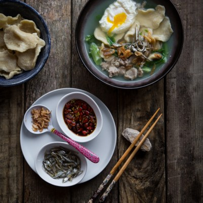 Mee Hoon Kueh (Hand-torn Noodles)