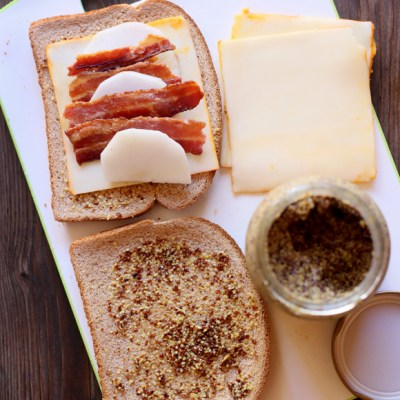 BACON AND APPLE SANDWICH