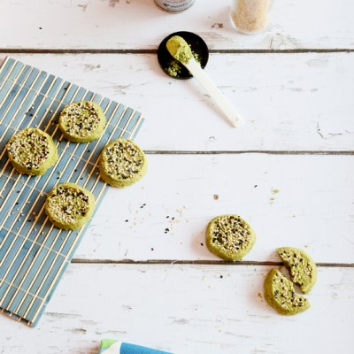 MATCHA SESAME SEEDS SHORTBREAD COOKIES