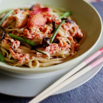 BRAISED NOODLES WITH SEAFOOD