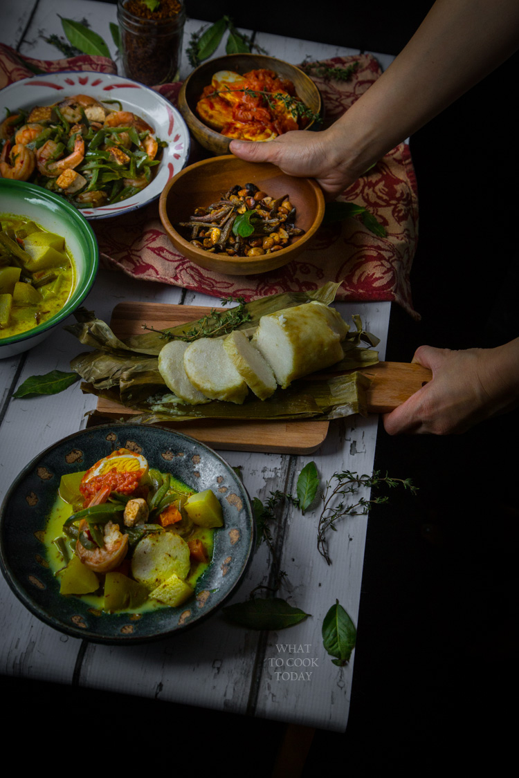 How to prepare lontong sayur medan (Medanese rice cake with savory dishes)