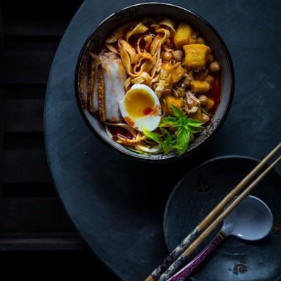 Virtual pumpkin party & Spicy pumpkin noodle soup