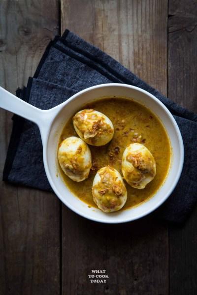 Gulai Telur Padang (Padang-style Eggs in Spicy Coconut Sauce)