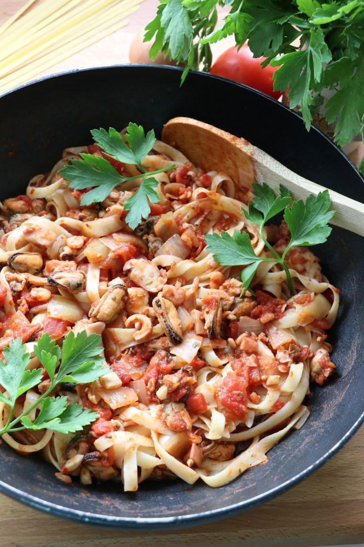 seafood pasta linguine 1- wteph