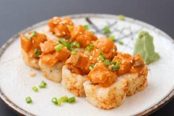 oji-san-spicy-salmon-sushi-rolls